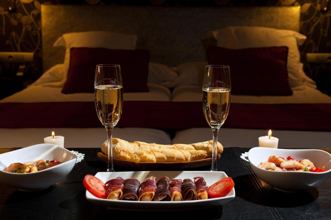 Jantar a dois dicas para uma noite rom ntica moda do fl vio furtado site e blog de - Cena romantica con velas ...