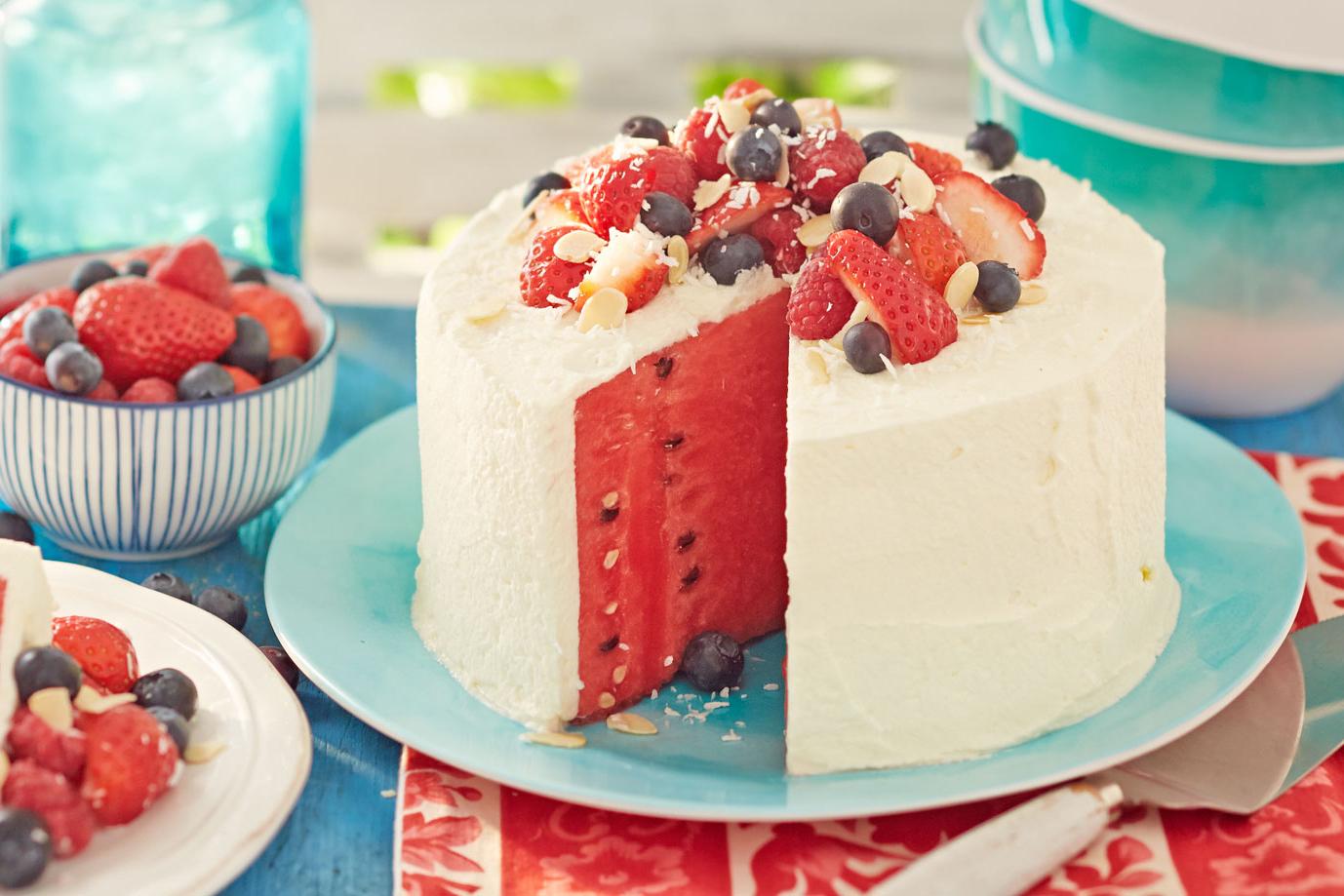 Картинки по запросу bolo de melancia fruta